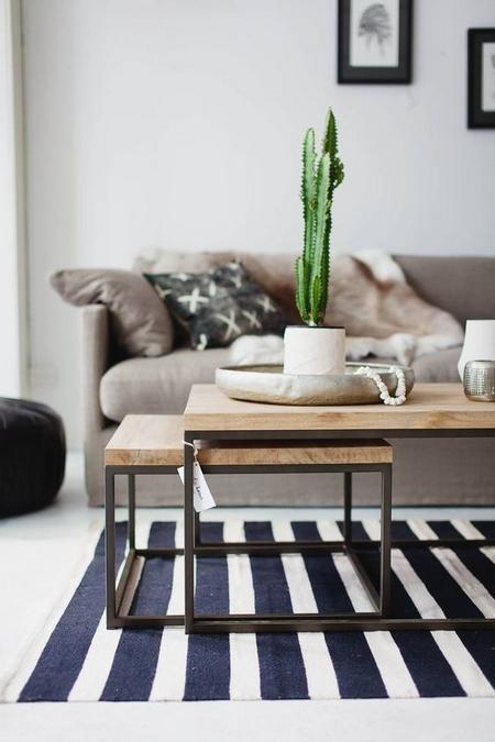rozsuwany-stolik-kawowy